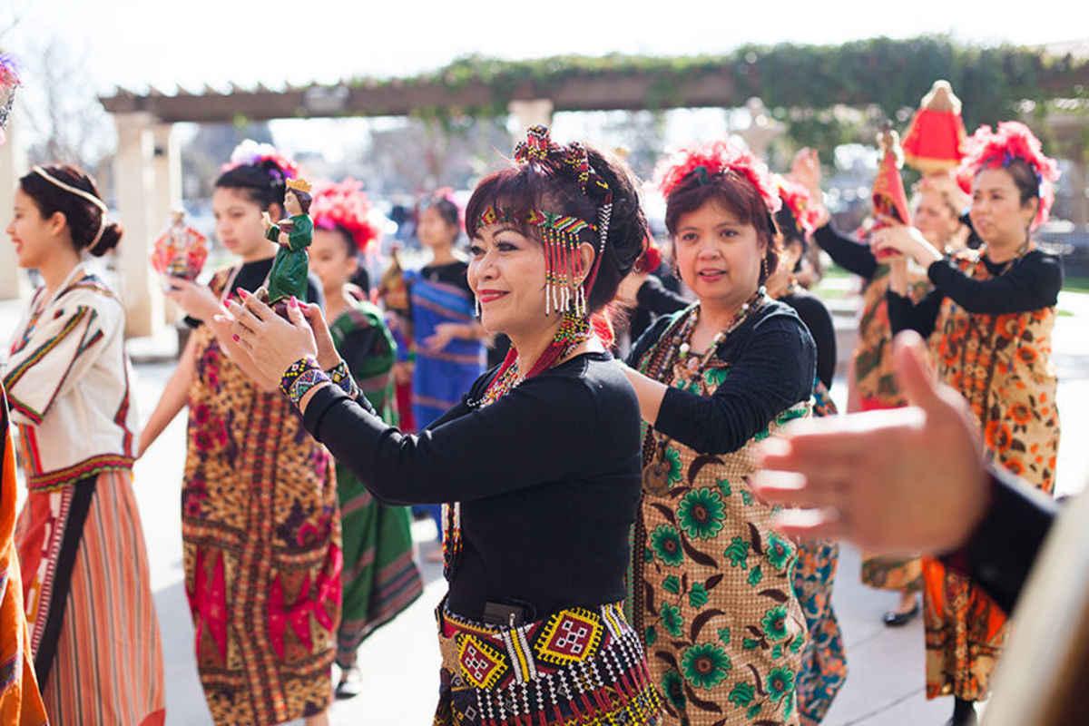 Filipino Kultur und Traditionen aus Was ist das Risiko von Online-Dating