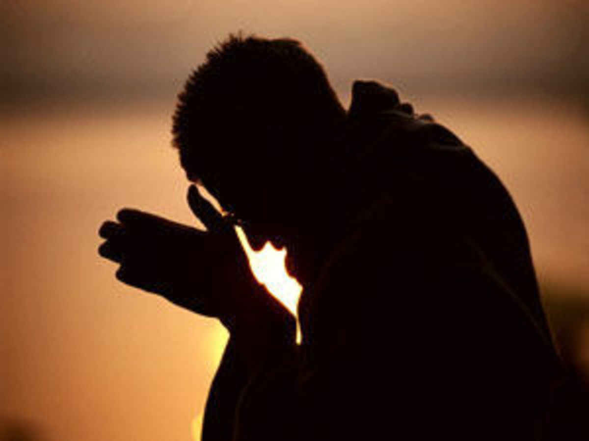 Heads Bowed In Silent Prayer To Fish >> On Bowing And Raising Our Heads Angelus News Multimedia Catholic
