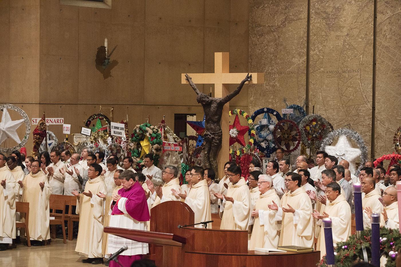 Catholic Filipino tradition of Simbang Gabi begins at 125 churches