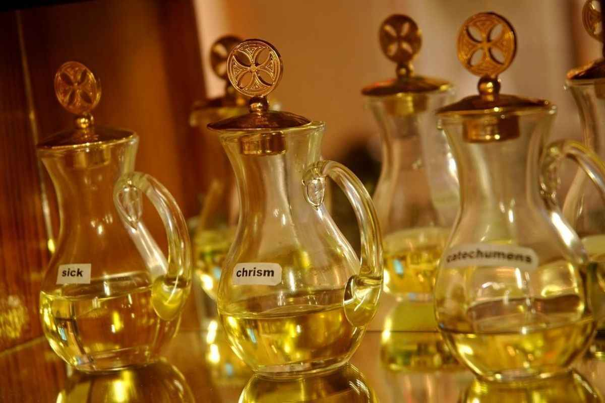 The Chrism Mass and parish presentation of the Holy Oils