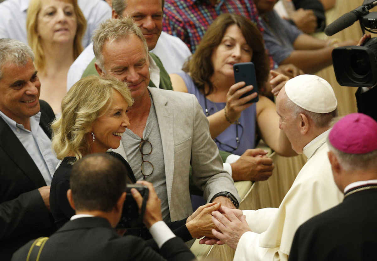 Fear uncertainty lead to a do it yourself religion pope says pope francis greets english singer sting accompanied by his wife trudie styler during his general audience in paul vi hall at the vatican aug 8 solutioingenieria Image collections