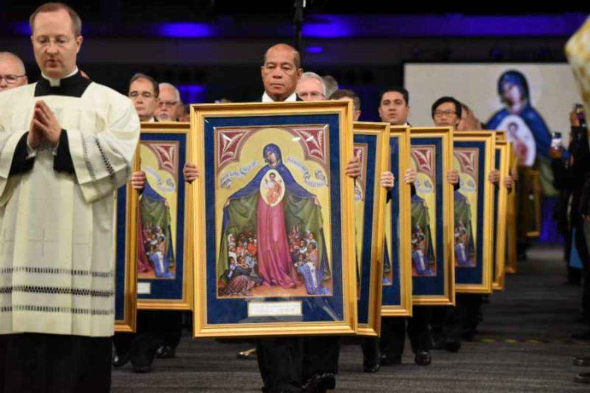 Αποτέλεσμα εικόνας για Our Lady, Helper of Persecuted Christians