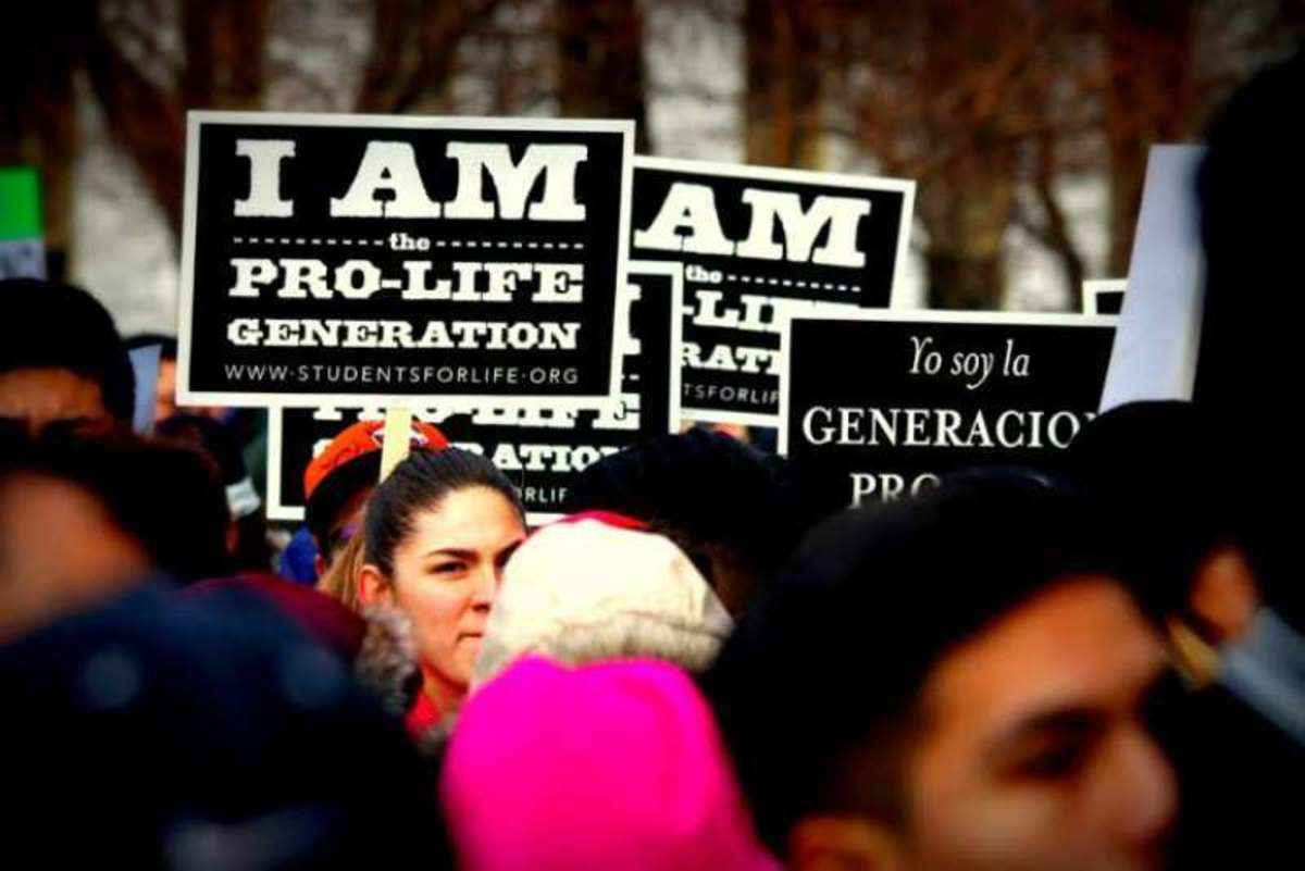 Pro-life momentum? 40 Days for Life campaign begins in over 400 cities - Angelus...