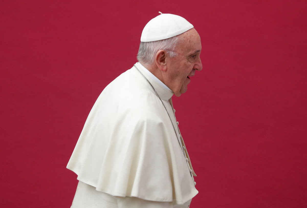 Pope francis removes scandal-hit cardinals from his group of advisers