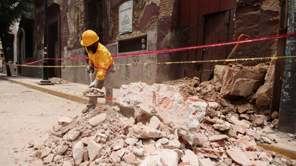 Refinery Fire and Falling Debris Hit Mexico After 7.4 Quake