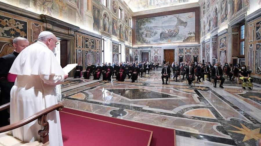 Pope thanks medics in first group audience since lockdown