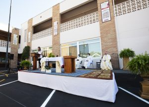 Christ the King Elementary School hosted a blessing ceremony to celebrate the renovation of the school, led by Archbishop José H. Gomez on Friday, October 2. A complete upgrade was possible thanks to the generosity of Shea Family Charities. The renovation included remodeled classrooms for students in grades K-8, cabinets, windows, and central air condition units following the CDPH guidelines for schools. The remodeling also included full renovation of the school's offices, and the conversion of three new spaces: Academic Resources Room, Faculty Room and a new STEM Lab. (Victor Alemán)